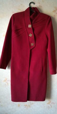 Кашемировое пальто фирмы NIO