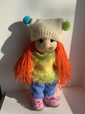 Вязанная кукла
