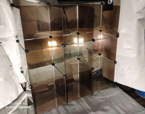 Витрина стеклянная для товаров в магазин