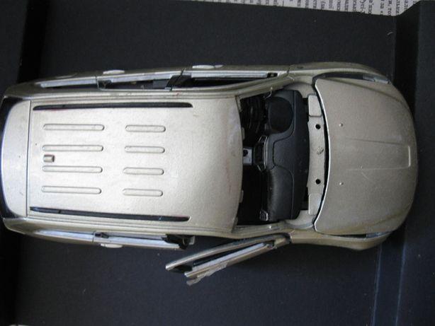 Модель 2011 jeep grand cherokee Maisto на запчасти