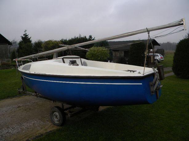 Jacht kabinowy Foka 2 rezerwacja do 22-05