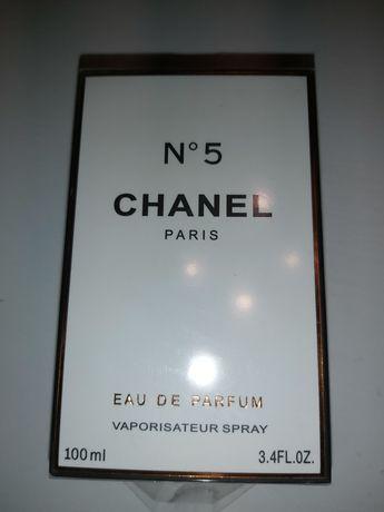 Chanel No.5 perfum