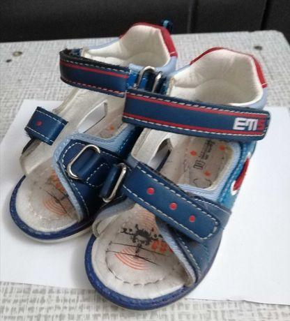 Sandałki dla chłopca