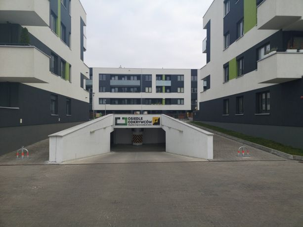 Miejsce parkingowe Idzikowskiego 22-24