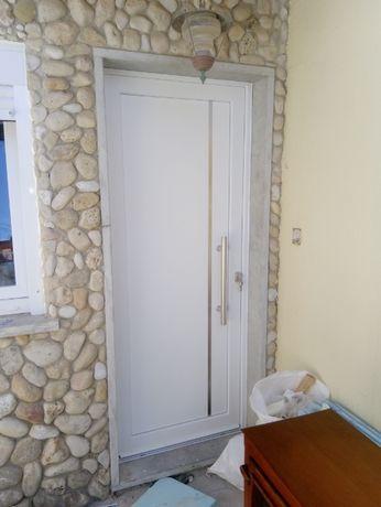 Estores, portas janelas pvc, redes de proteção de varandas e janelas