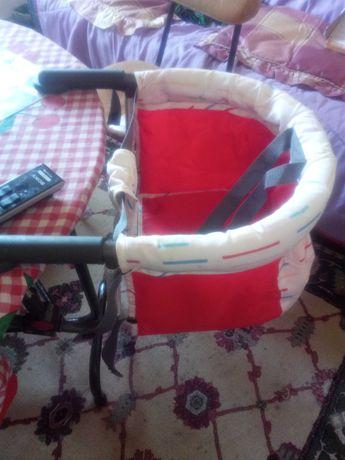 cadeira de mesa de bébé
