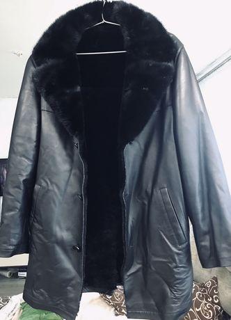 Продам зимнюю кожанную удлиненную куртку