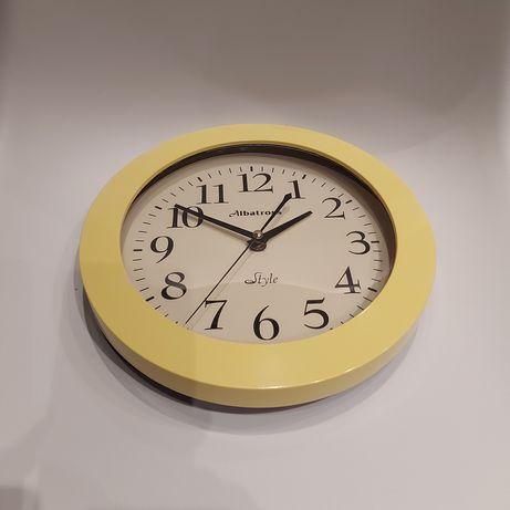 Zegar ścienny fi 26 cm