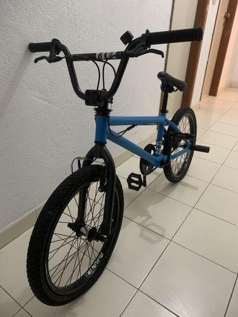 Bicicleta BMX ( Bom estado )