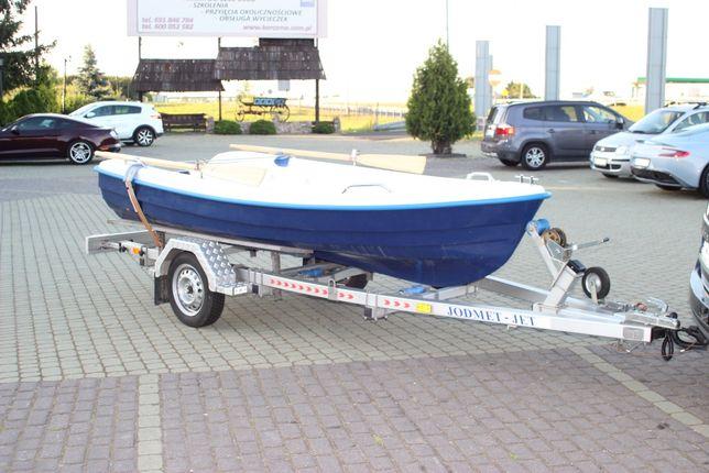Nowa łódka wędkarska