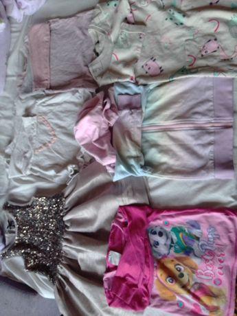 Пакет одягу на дівчинку 98 104