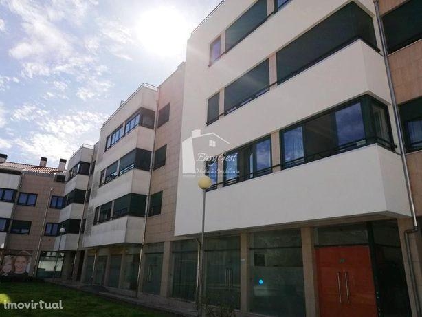 Apartamento Duplex no Centro de Esgueira C/ Garagem e Ter...