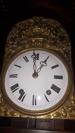 Relógio de pé alto muito antigo