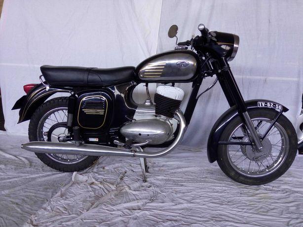 Jawa 250 restaurada e com eletrónico