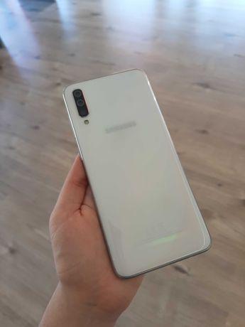 // Samsung Galaxy A70   6GB / 128GB Branco - Grade A