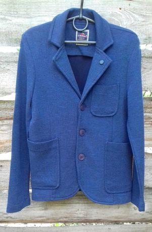 Школьный пиджак сasual. Идеальное  состояние. на 128 см