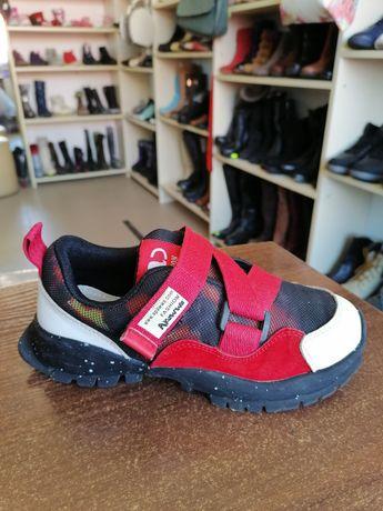 Фирменные кроссовки apawwa