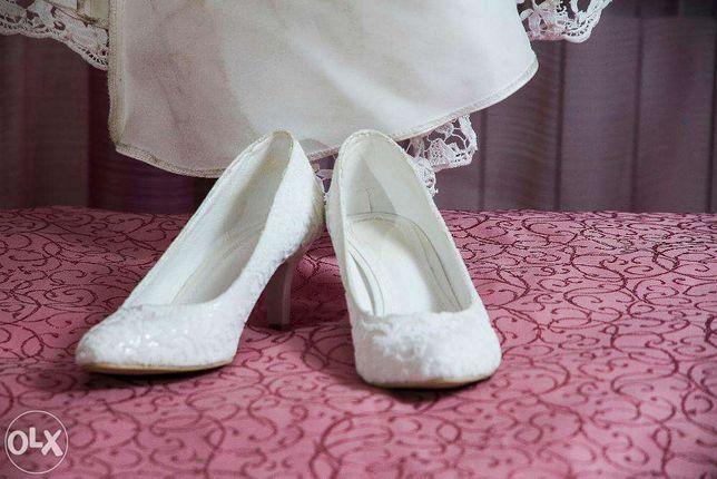 туфли размер 37, свадебные,кожа продаю