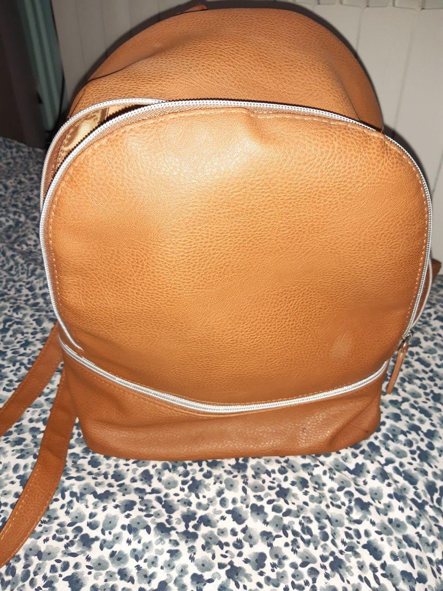Plecak z Avon brązowy