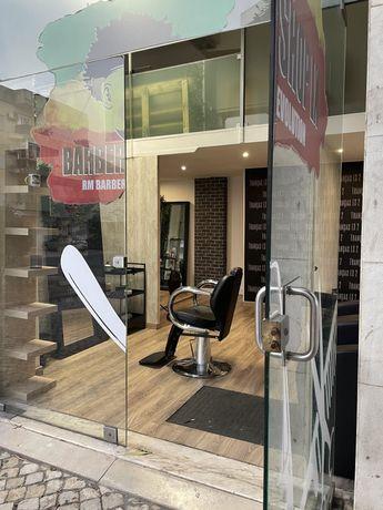 Alugo Loja / Barbearia ou cadeira, em salao de rastas  com movimento