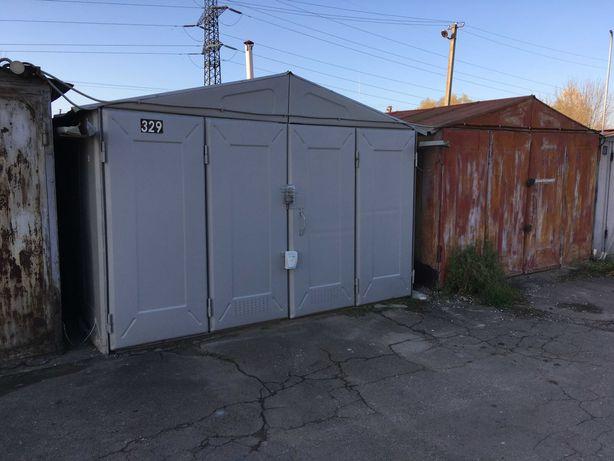 гараж металевий у відмінному стані,дах оцинкований