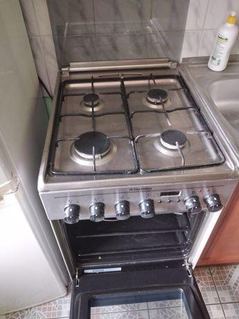 Sprzedam kuchenkę gazową z piekarnikiem