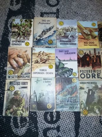 TYGRYSKI żółte książki 35 sztuk