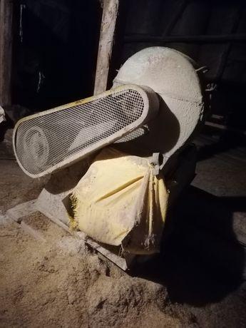 Śrutownik bijakowy do zboża silnik 10 kw