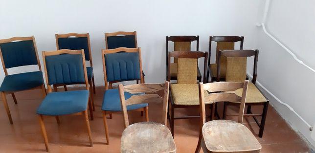 Sprzedam bardzo ładne krzesła PRL