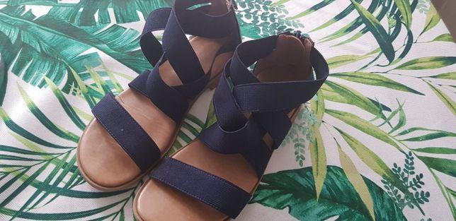 Sandałki dziewczęce r 31 wkładka 20 cm