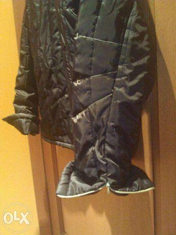 Kurtka jesienno-zimowa rozmiar 38 pikowana czarna z zielonymi zamkami