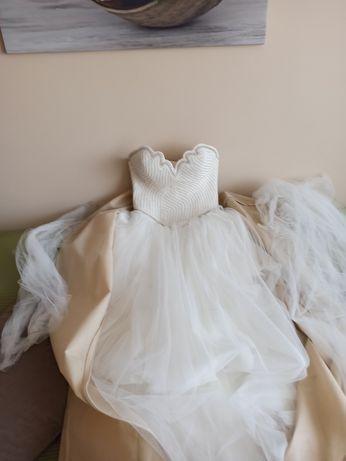 Suknia ślubna robiona na zamówienie