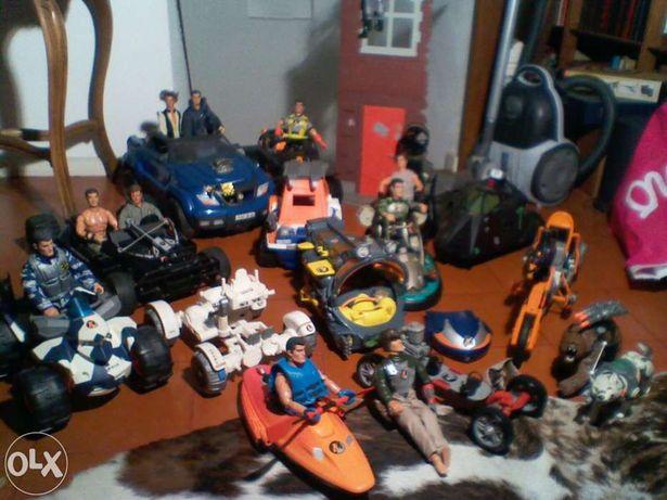 Coleção Barbie e Action Men/Ken (carros, acessórios, etc.)