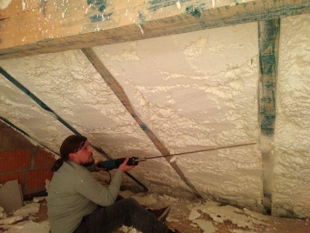 ocieplenie dachu pianką PUR otwarto - komórkowa Kobiór
