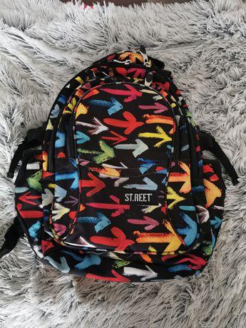 Plecak szkolny czterokomorowy