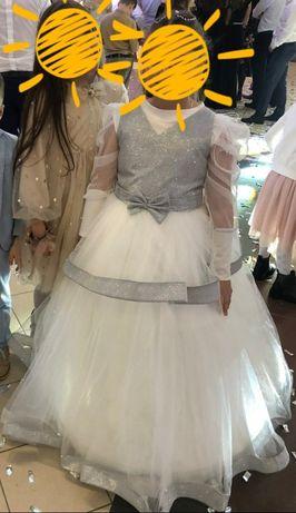 Випускне нарядне плаття