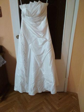 Suknia ślubna bolerko gratis welon