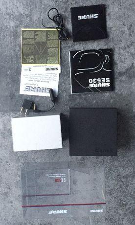 Коробка и комплект от арматурных наушников Shure SE530