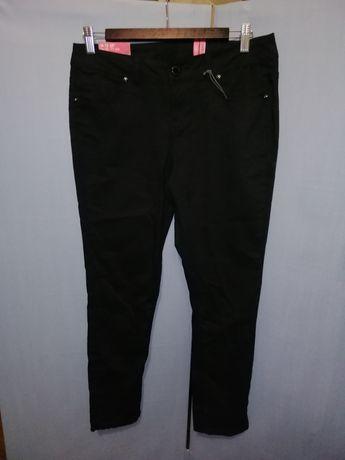 Черные скинни 28 размер джинсы 44р