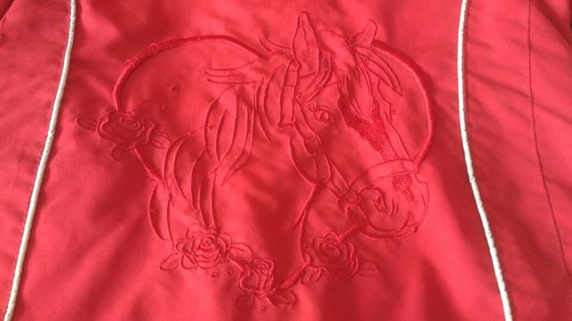 Śliczna kurtka dziewczęca z koniem, rozmiar 104