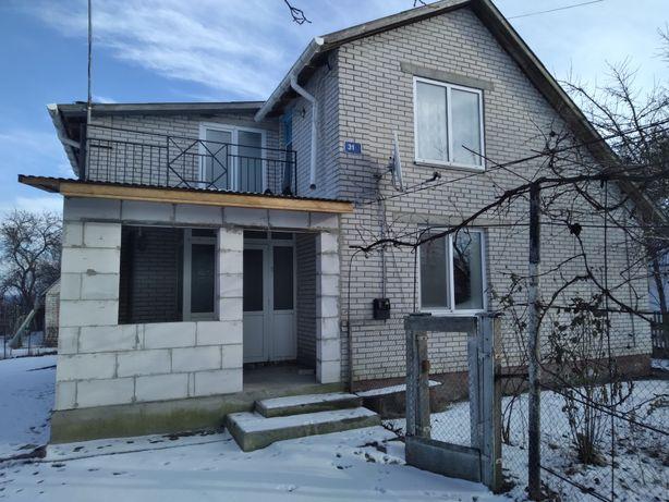 Срочно продам компактный двох этажный дом с участком с. Селезенивка