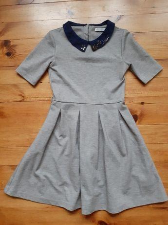 Sukienka z kołnierzykiem 134 cm