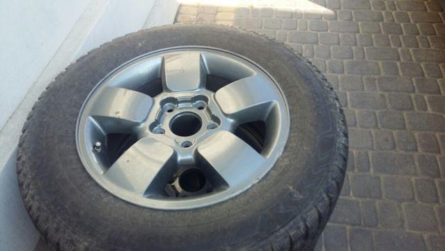 Продам диски з резиною 235 65 17 на джип черокі форд експлорер
