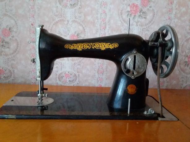 Швейная машина в робочем состоянии