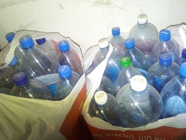 Група бутылок от газ воды