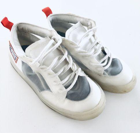 Sprzedam buty dziecięce firmy Zara rozm. 26