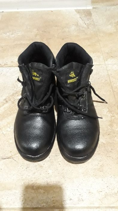 Продам строительные ботинки Орджоникидзе - изображение 1