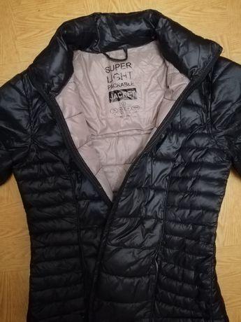 Женская  короткая куртка