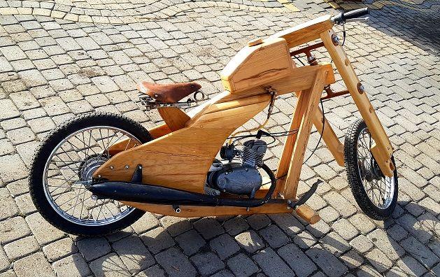 Drewniany Motor Nie Yamaya Honda Suzuki tylko Komar sprawny jeżdżący