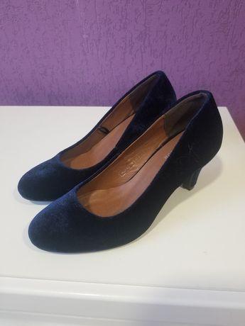 Новые туфли, размер 37